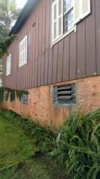 Casa 01 Dorm - Bairro Centro