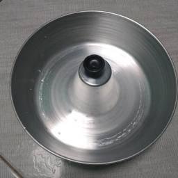 Forma Assadeira Bolo Pudim Redonda C/ Tubo no centro 22 Alumínio,NOVA/ACEITO TROCAS