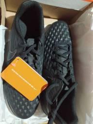 Chuteira Nike Tiempo 8 Society - Unissex
