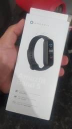 Título do anúncio: Smartband Xiaomi Amazfit Band 5 na caixa!!!