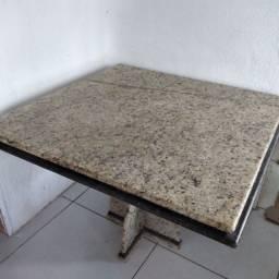 Mesa em Granito ( 1,00 x 1,00 )