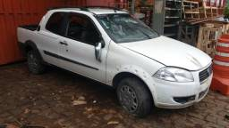 Fiat Strada 1.4 CD 2013 Sucata (leia o anúncio)