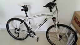 Bicicleta para pessoas exigentes Deore XT / SLX
