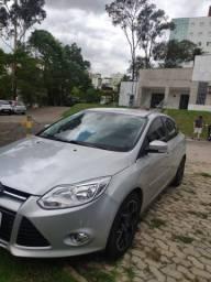 Focus Titanium sedan 2.0 automático 14/15 - 2015