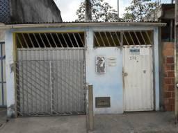 Casa na avenida leste em Camaçari!