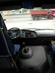 Micro Ônibus - 23 lugares - 2002