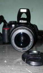 Câmera Nikon D3100 dslr + Parassol