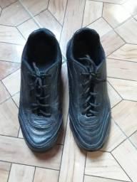 Preciso vender essa bota ugente por favor