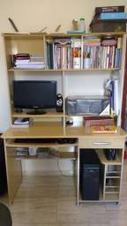 Mesa/ estante de computador