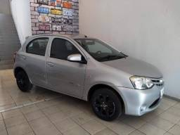 Toyota Etios X 1.3 Hatch - 2014
