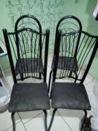 04 cadeiras por 150,00