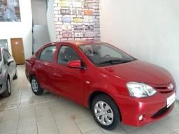 Toyota Etios X 1.5 Sedan - 2014