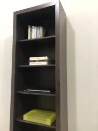 Estante de Livros e Documentos