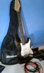 Guitarra Suzuki semi nova com dois cabos