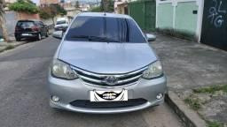 Toyota etios hatch completo 1.5 2014