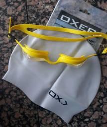 Toca e óculos de natação novos