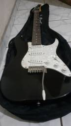 Vendo guitarra com a capa