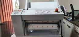 Cilindro laminador de massa 39 cm para pizza e pastel Gastromaq - seminovo