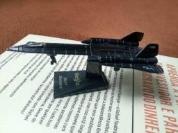 Miniatura colecionável Maisto Avião de Reconhecimento Lockheed SR-71 Blackbird