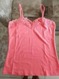Blusinha Rosa com detalhe renda