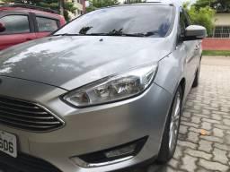 Ford Focus Sedan 2.0 Titanium automático com Teto
