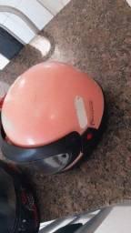 Título do anúncio: Vendo capacete semi novo feminino