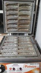 Título do anúncio:  Crepeira Elétrica de 12 Cavidades Bivolt