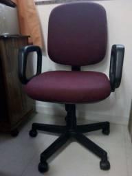 Título do anúncio: Mesa e cadeira