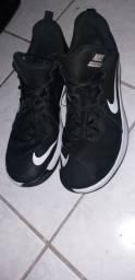 Título do anúncio: Tênis Nike Fly.By Low Masculino Preto e Branco