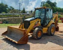 Retroescavadeira Caterpillar - R$ 110.000,00