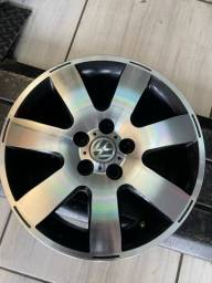 Jogo de rodas Volkswagen aro 15 semi novas