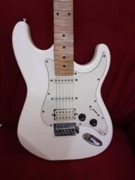 Guitarra branca Groovin