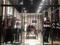 Loja de roupas com bom movimento em Vinhedo