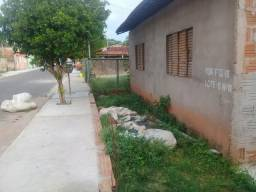 Vendo casa com 5 peças tem escritura do terreno