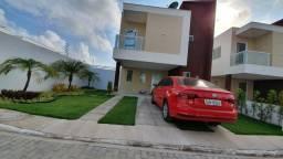 Casa de condomínio com painéis solares