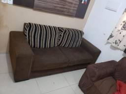 2 sofas de 2 lugares cada