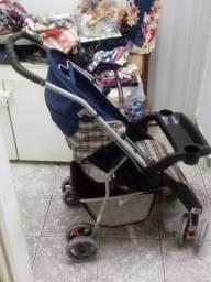 Carrinho de Bebê em Bom Estado