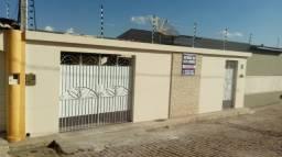 Casa bem localizada (Escriturada e Registrada)