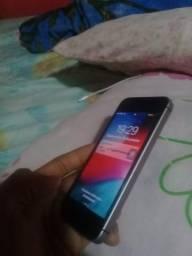 Vendo ou troco esse iPhone 5s e SE em perfeito estado