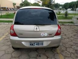 Vendo Renault Clio ano 2011 completo valor 11000 tratar pelo fone 996046527/988404499 - 2011
