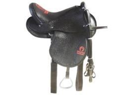 8242dfcdd Cela Americana preta para montaria feita em couro legítimo bonita e barata  completa