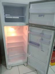 Geladeira Electrolux frost free
