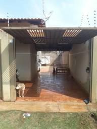 Alugo casa no sumatra