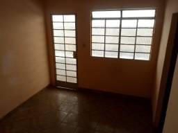 Título do anúncio: barracão 01 qto - Rua Rio Comprido Riacho Contagem