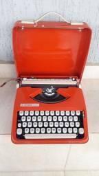 Título do anúncio: Máquina de Escrever estado de Nova pra Colecionador
