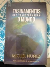 Título do anúncio: Livro ENSINAMENTOS QUE TRANSFORMA O MUNDO