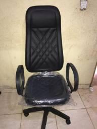 Mesas e cadeira direto da fábrica