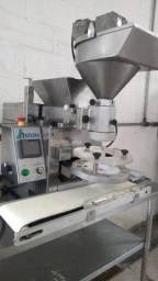 Título do anúncio: Máquina Indiana para  fabricação de doces salgados com pouquíssimo uso !!!