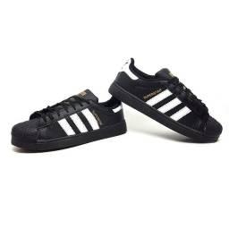 Título do anúncio: Tênis Adidas Superstar Clássico