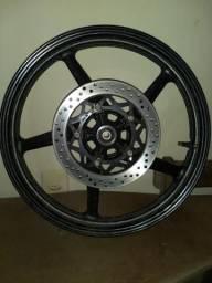 Vende Roda de liga leve diateiro da facto 125 original com o disco de freio .
